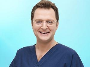 Doktor Geldi - Halit Yerebakan - Doçent Doktor